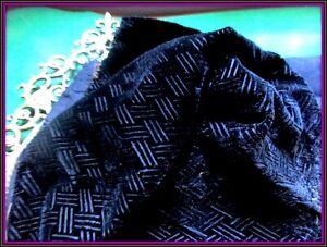 RARE GORGEOUS RICH ANTIQUE VICTORIAN FRENCH CUT SILK VELVET FABRIC FRAG BLACK