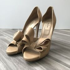 Valentino Garavani Nude D'Orsay Bow Pumps Classic Pumps Heels Size 37.5 Patent