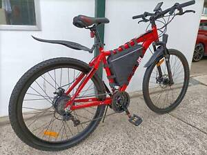 Ebike as new only 100klm outlook 27.5 18 speed 36v 250w rear hub motor