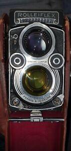 Rolleiflex Twin Lens Reflex camera, 75mm f/3.5 Planar Lens. Faulty.