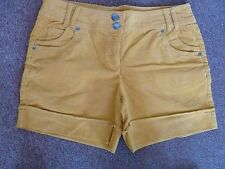 SHORT A REVERS VELOURS JAUNE OR JESSICA TAILLE 42 NEUF
