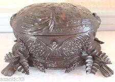 Foret noire boite coffret noix sculptée black forest box