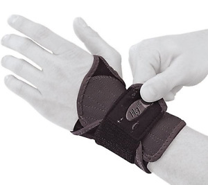 Mueller Hg80 Wrist Brace, Black, 1-Count Box