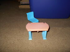 """Vintage Barbie 1970's Turquoise """"s"""" Chair and plastic desk"""