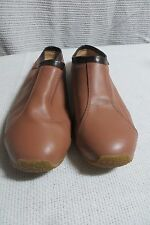 VINTAGE ~ ROXY ~ Caramel/Brown  Low Back SHOES * Size 8B * REDUCED !!