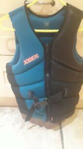 JOBE MENS WAKEBOARD WATER SPORTS IMPACT BOUYANCY VEST USED SMALL