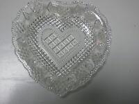 schönes kleines Pressglas Teller Tellerchen Schälchen ca. 1930 Herzform