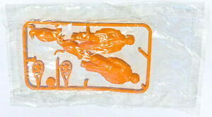 R&L CEREAL TOYS 1967- POLAR BASE - MIP EXPLORER, PENGUIN + SNOW SHOES - RARE