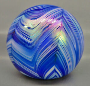 6926 PAPERWEIGHT Round Iridized Variegated Blue & White Pulled Feather Design