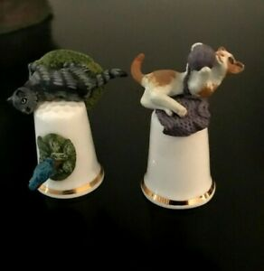 VINTAGE 2 CAT THIMBLES MADE IN ENGLAND