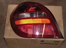 Nissn quasi esaurito N16 REAR LH Coda Lampada PART NUMBER 26555-bm411 Genuine NISSAN parte
