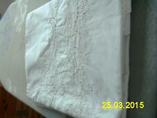 SERVICE DE TABLE coton/polyester Brodé Avec 12 serviettes BLANC
