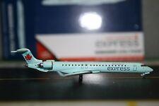 Gemini Jets 1:400 Air Canada Bombardier CRJ-700 C-GDJZ (GJACA1260) Model Plane