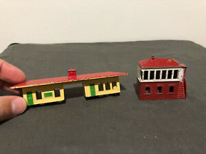 Lone Star Locos Vintage TRAIN STATION & SIGNAL BOX - OOO gauge - pre-owned