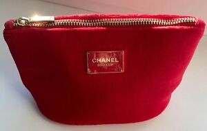 CHANEL COSMETIC/MAKEUP BAG POUCH CLUTCH velvet red makeup VIP GIFT