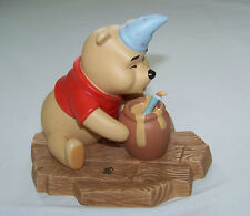 Disney: POOH & FRIENDS Figurine - Winnie - HIP, HIP POOHRAY FOR BIRTHDAYS