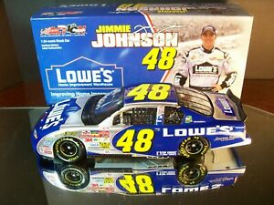 Jimmie Johnson #48 Lowe's Rookie With Stripes 2002 Chevrolet Monte Carlo 1:24