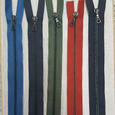 Reißverschluss grünton 68 cm 8 mm riri Swiss Zipper 1W