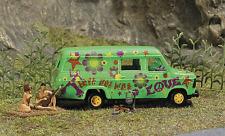 HO scale BUSCH 7702  Mini-Scene 1960's Nude Hippies & Flower Power Van : Figures