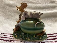 Charming Tails Garden Naptime Mouse with Snail Autumn 85/615 Retired.