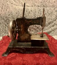 PRE WWII- VINTAGE CHILDS SEWING MACHINE-GERMANY-CASIGE 25-LITTLE RED RIDING HOOD