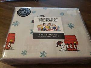 Peanuts Snoopy Twin Sheet Set by Berkshire Christmas Snowflake NEW