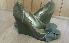 BCBG Paris Nina Suede Wedge Women Khaki Green  Wedge Shoes Size 91/2 B