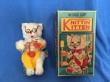 Vintage Wind Up KNITTIN' KITTEN Toy Original Box WORKING Made in Japan Knitting