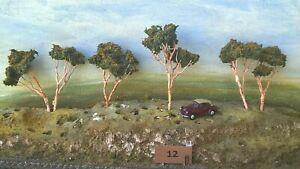 AUSTRALIAN MODEL GUM TREES  HO  OO  Lot 012