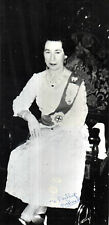 JEANNETTE CHARLES HM QUEEN LOOK ALIKE EARLY HAND SIGNED PROMO PHOTOGRAPH 8 x 4