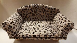 Cat furniture Cats Kittens Condo Couch Real Wood NEW