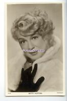 b5639 - Film Actress - Betty Hutton in Furs - Picturegoer No.W.804 - postcard