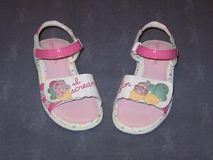 NWOB stride rite / COOKIES & CREAM Sandals