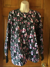 UA Scrubs Long Sleeved Jacket Top Womens Sz XS Black With Pink Bows  Nurse Top