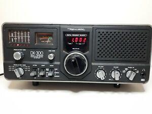 Realistic DX-300 Quartz Synthesized Ham/Shortwave Receiver AC & Battery Radio