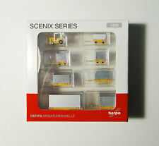 1/200 Ground Service Equipment Cargo Containers Herpa 557825