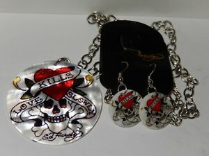 """Ed Hardy LOVE KILLS SLOWLY Mother of Pearl Shell 18"""" Necklace w/Earrings Set"""