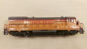Bachmann HO GE U36B Diesel Union Pacific #824 runs good, Hand rails repaired