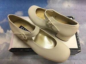 Rachel Beige Platform Heel Mary Jane Dress Shoes Youth Size 3.5, 4 /Women Size 6