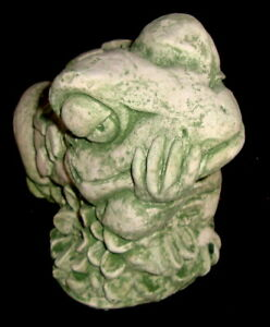 Thinking Love Frog Statue Green Wash