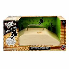 Spin Master Tech Deck Wood Ramps - Fun Box Rail