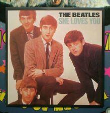 The Beatles ( SHE LOVES YOU )  BRITISH IMPORT 45 w/ PIC NM/NM  LENNON/McCARTNEY