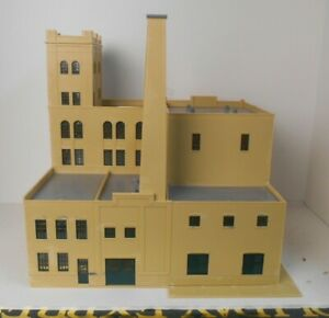 """Walthers Or Similar HO LARGE Factory 10"""" x 12-1/2"""""""