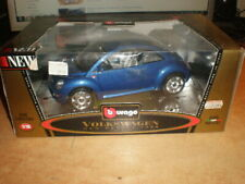 Bburago 1/18 #3392  Volkswagen New Beetle 1998   blue        MIB