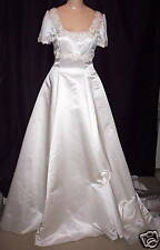 IVORY BRIDAL WEDDING GOWN WITH BEADED LACE CATHEDRAL TRAIN sz 8 New Without Tags