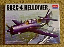 U.S. Navy Dive Bomber SB2C-4 Helldiver Academy 12406 1:72 Model Kit