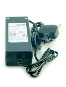Ultramax 12V 5Ah 240V Lithium-ion (Li-ion), LiNiMnCoO2 XLR  Battery Charger