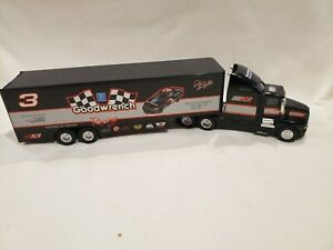 Dale Earnhardt #3 Goodwrench 1:43 1993 Die Cast Racing Team Transporter