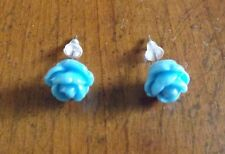 Boucles d'oreilles argentées clous fleur rose bleue