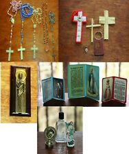 ANTIQUE ~ VINTAGE LOT OF 17 RELIGIOUS ITEMS ~ ROSARIES ~ METAL ~ PRAYERS ~ MISC